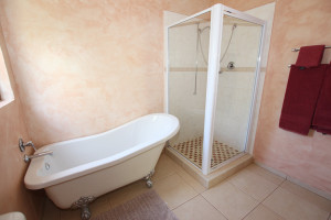 plantationroombathroom2